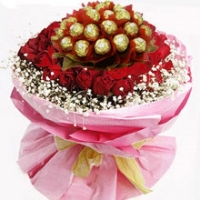 24 Red roses with ferrero